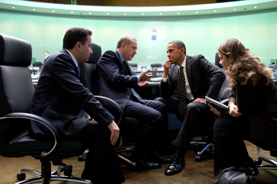 President Barack Obama talks with Turkish Prime Minister Recep Tayyip Erdoğan after the third morning plenary session during the G-20 Summit at the COEX Center in Seoul, South Korea, Nov. 12, 2010. (Official White House Photo by Pete Souza)